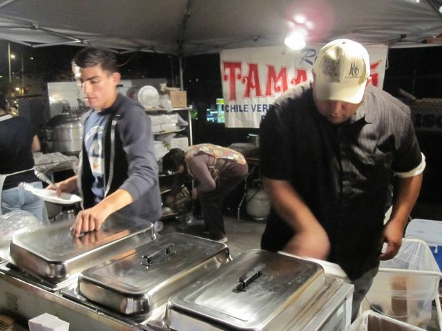 Tamal vendors in action at the L.A. Tamale Throwdown, November 12, 2010
