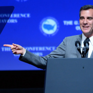 Los Angeles Mayor Eric Garcetti announced a proposal Monday to increase the city's minimum wage to $13.25/hour by 2017.