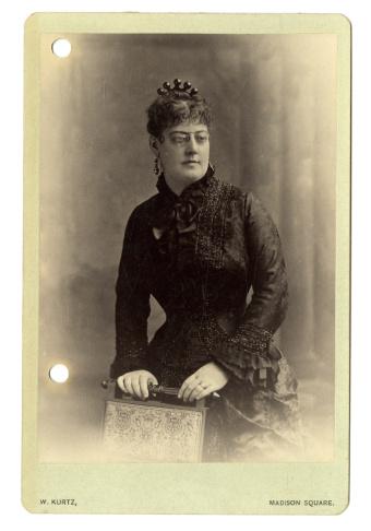 Arabella Huntington, in a cabinet photo, c. 1880s