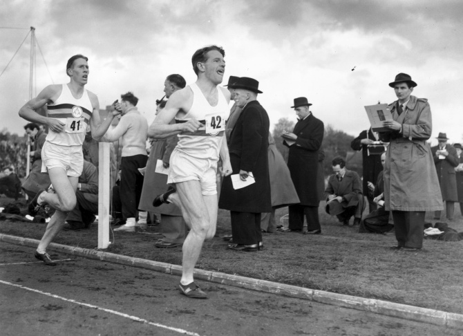 roger bannister 4 minute mile Roger bannister, who as a lanky medical student at oxford in 1954 electrified the sports world and lifted postwar england's spirits when he became the first athlete to run a mile in under 4 minutes, has died at 88 bannister died saturday in oxford, the city where he accomplished the.