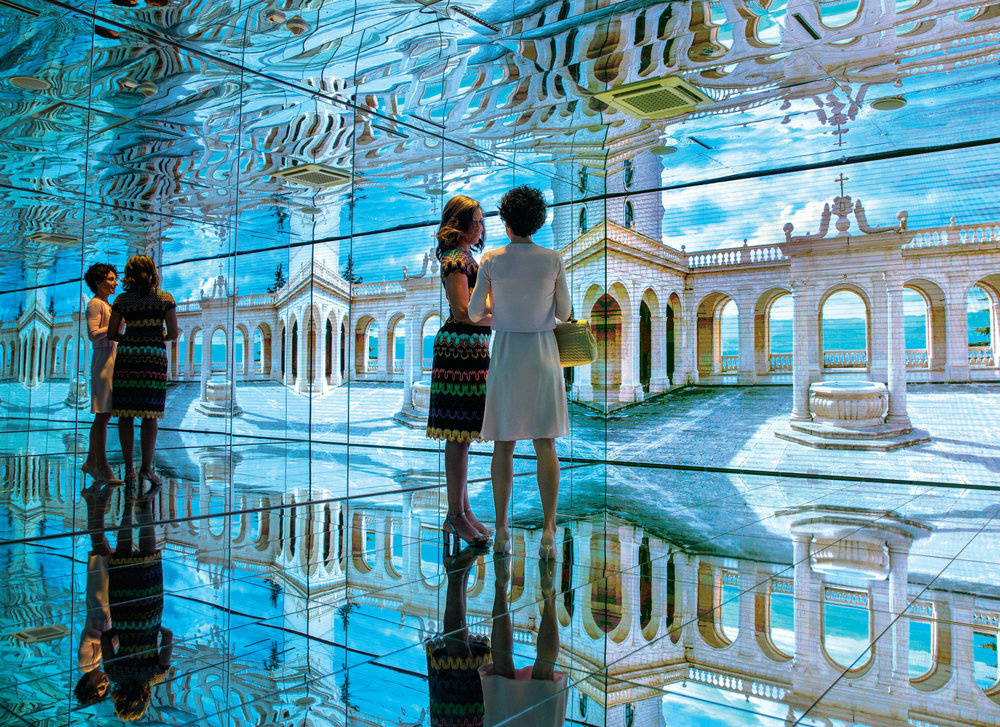 First Lady Michelle Obama tours the Mirror Room in the Italian Pavilion with Mrs. Agnese Landini at the Milan Expo 2015 in Milan, Italy, June 18, 2015. Mrs. Obama led the presidential delegation to the expo,