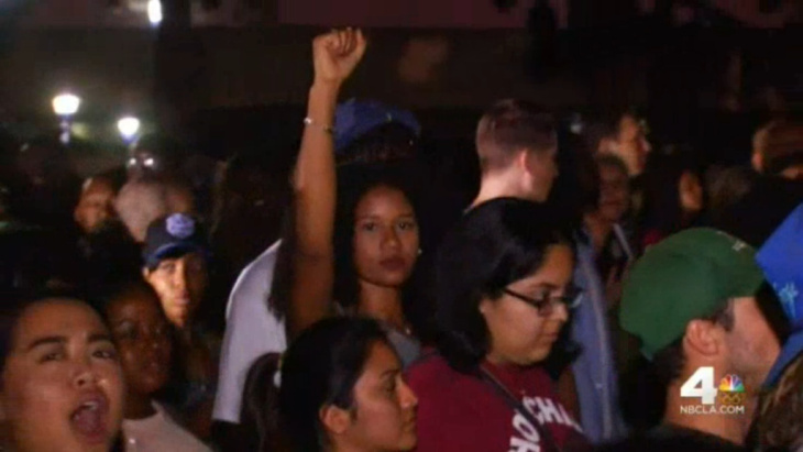 A rally that started as a regular meeting of a local chapter of Black Lives Matter on Sunday soon spilled out into the streets and temporarily blocked traffic on the 405 Freeway.