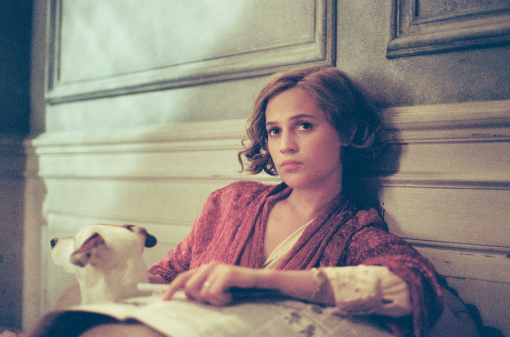The Frame® | Alicia Vikander planned on law school before