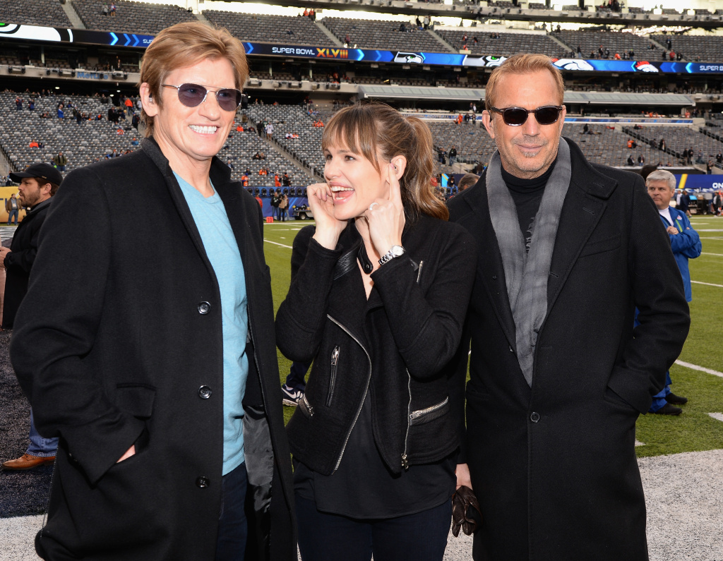 Denis Leary, Jennifer Garner and Kevin Costner attend the Pepsi Super Bowl XLVIII Pregame Show at MetLife Stadium on February 2, 2014 in East Rutherford, New Jersey.
