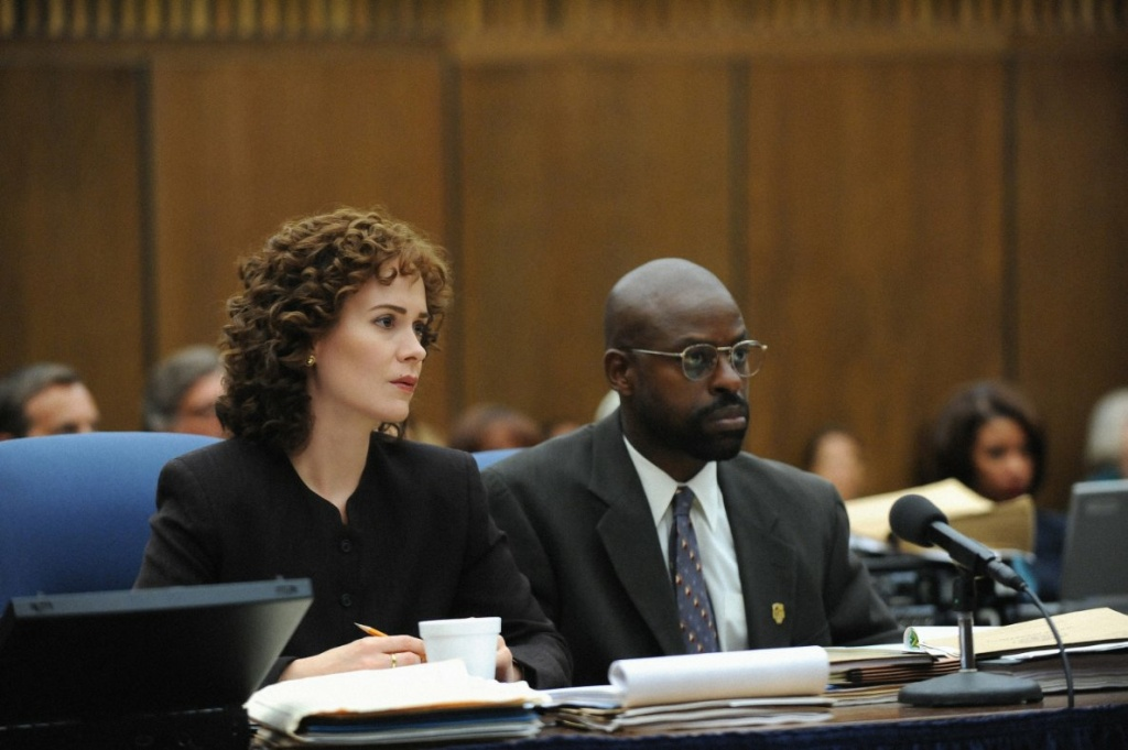 Still of Sarah Paulson and Sterling K. Brown in