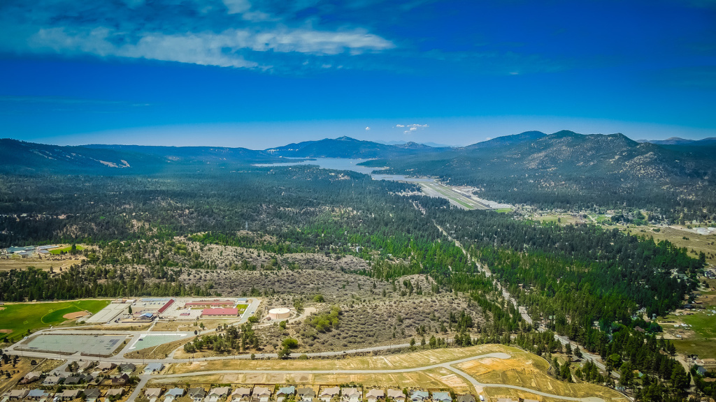 Airplane with 2 aboard crashes near Big Bear, authorities say