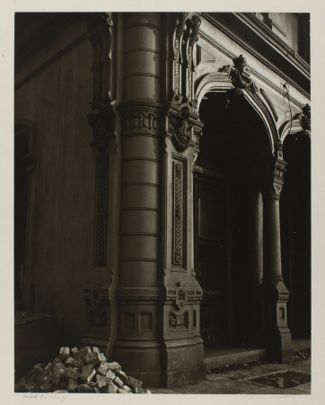 """Dodd Building,"" Portland, Oregon, 1939, an early photo by Minor White."