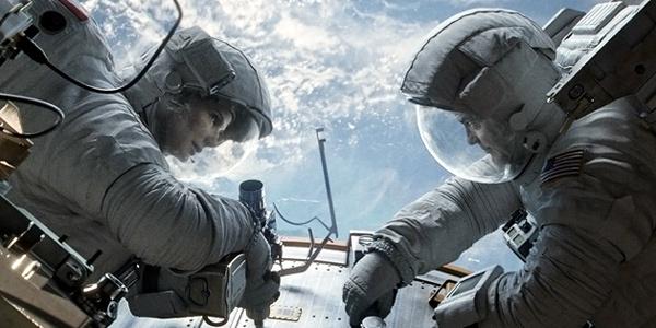 Sandra Bullock and George Clooney in