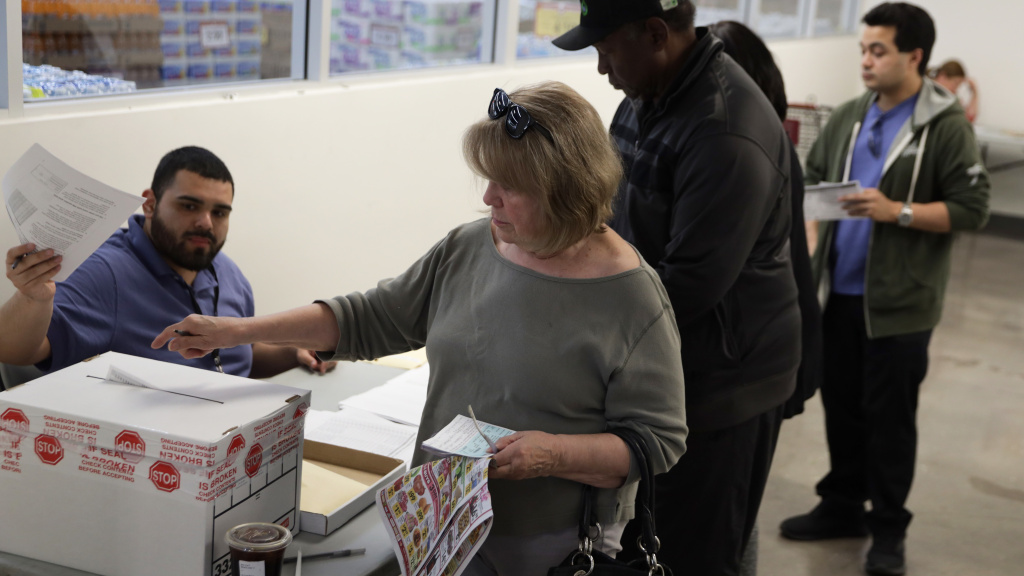 Voters cast early ballots on Saturday in Las Vegas. For the first time, Nevadans have the option to vote early in the Democratic presidential caucuses.