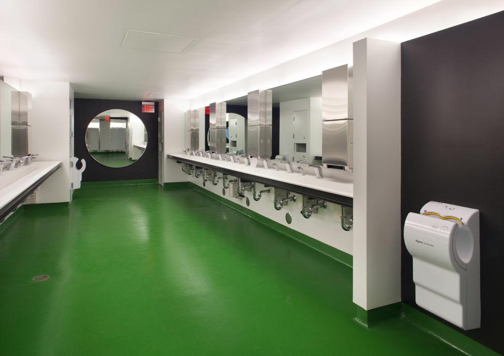 America S Best Restroom New Hollywood Bowl Bathrooms Vie