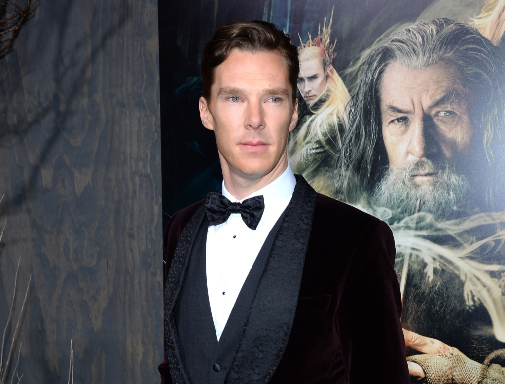 Benedict Cumberbatch attends the premiere of Warner Bros'