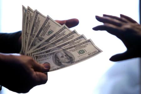 United States Dollar notes exchange hand