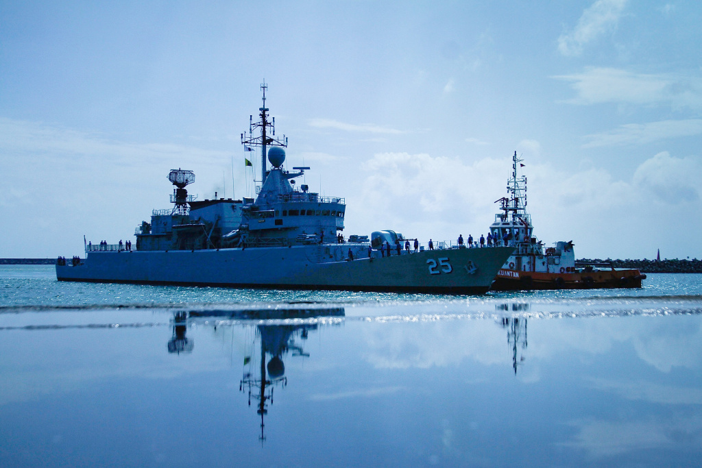 The Malaysian Navy ship KD Kasturi arrives at the Kuantan Naval Base to refuel and restock on March 15, 2014 in Kuantan, Malaysia.