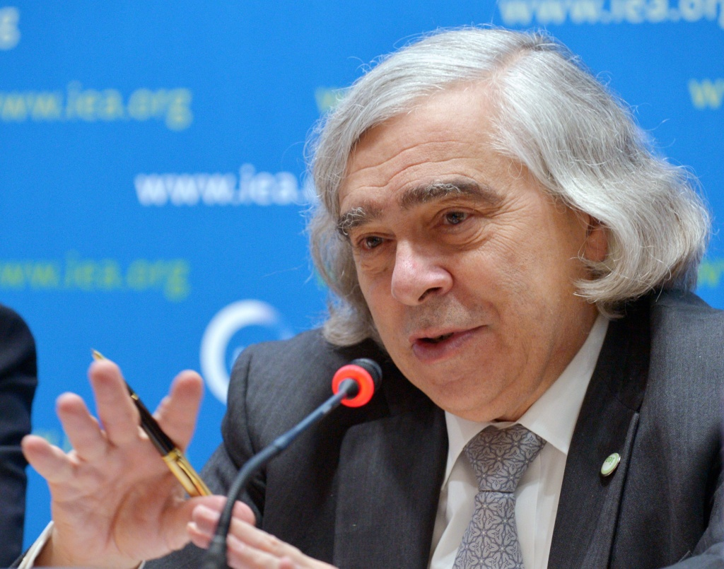 File: U.S. Secretary of Energy Ernest Moniz speaks as he takes part in a press conference at the end of the 2015 meeting of the International Energy Agency Governing Board at Ministerial level chaired by Moniz on Nov. 18, 2015 at the OECD headquarters in Paris.