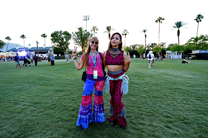 INDIO, CA - OCTOBER 09:  Music fans attend Desert Trip at the Empire Polo Field on October 9, 2016 in Indio, California.  (Photo by Frazer Harrison/Getty Images)