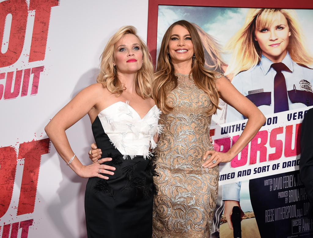 ctress/producer Reese Witherspoon (L) and Actress Sofia Vergara attend the premiere of New Line Cinema and Metro-Goldwyn-Mayer's