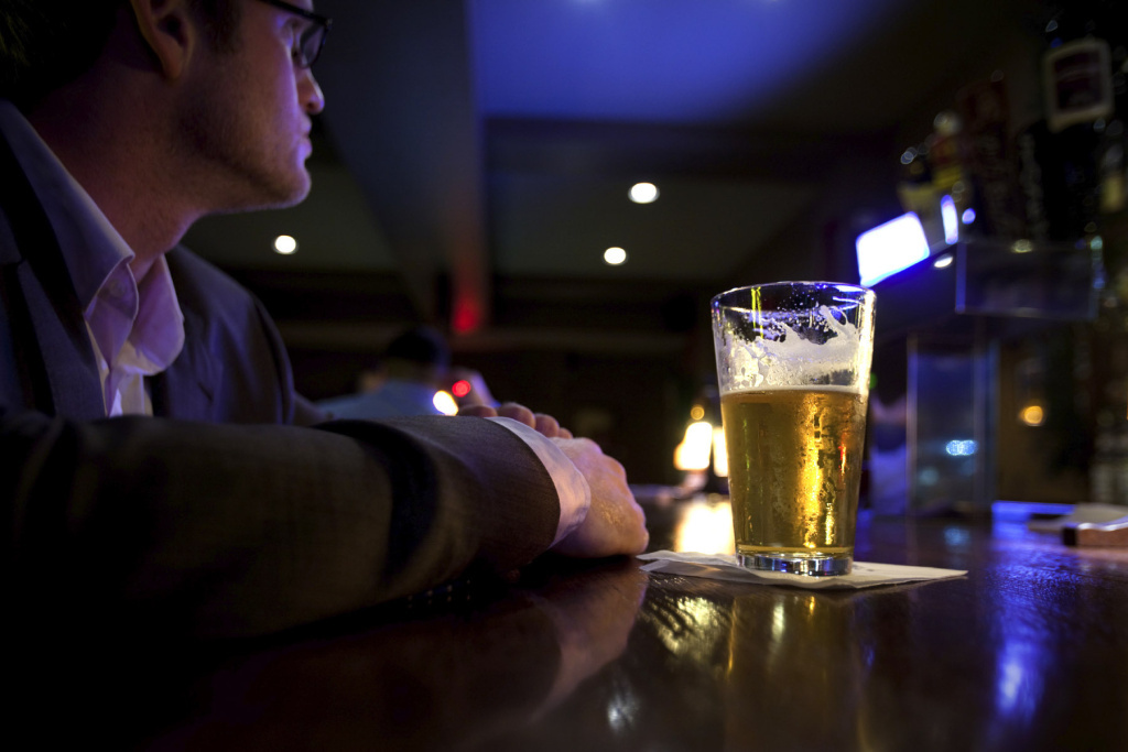 Working more than 48 hours a week makes risky drinking more likely, a study of people in 14 countries finds. And that held true for rich and poor, men and women.