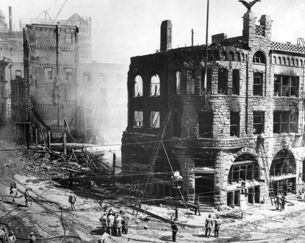 Bombed-out building of the Los Angeles Times at First Street and Broadway 1910.