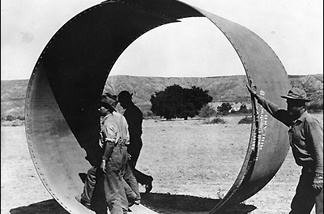A section of the L.A. Aqueduct, built by Treadwell Construction, circa 1920s.