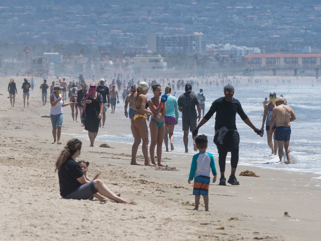 Manhattan Beach Mayor On Reopening Los Angeles County Beaches It S Our Culture 89 3 Kpcc