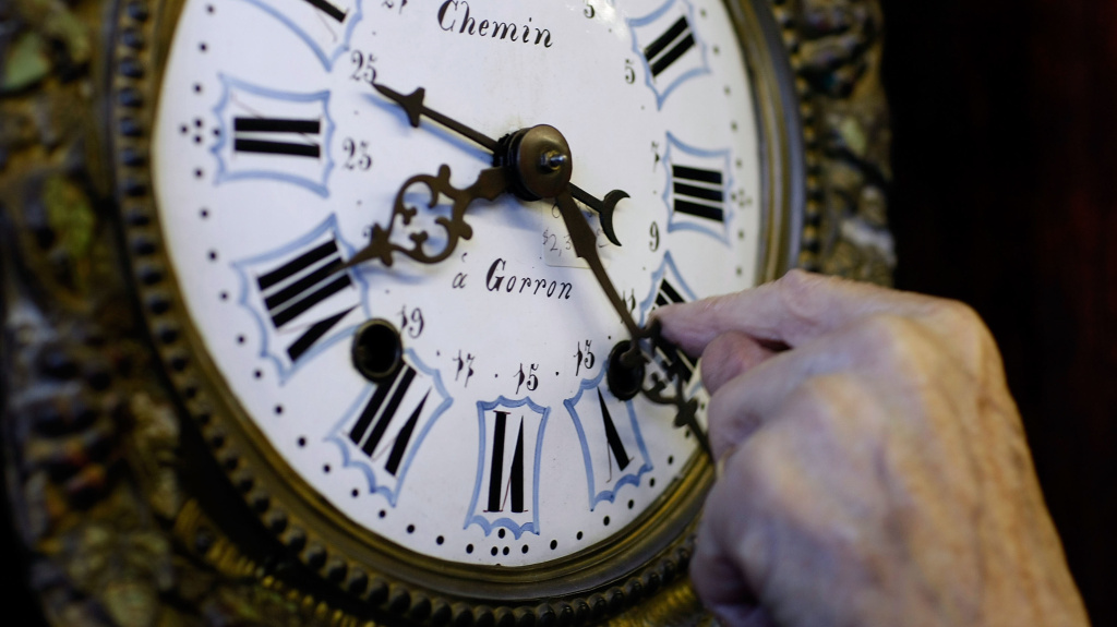 Daylight saving time takes effect on Sunday. Senators are pushing to make daylight saving time permanent.