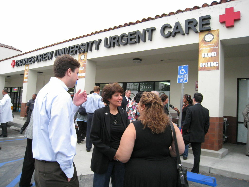 Cedars-Sinai donates $3 3 million to improve community