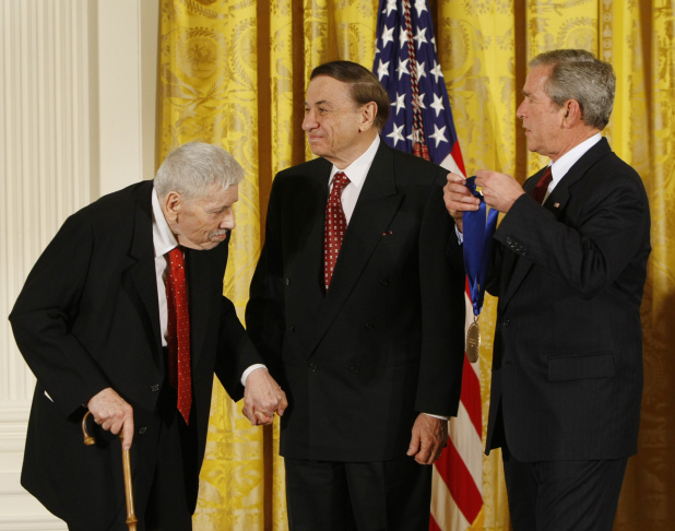 Robert Sherman (L) with brother Richard Sherman (C), accepting the 2008 National Medal of Arts from President George W. Bush.