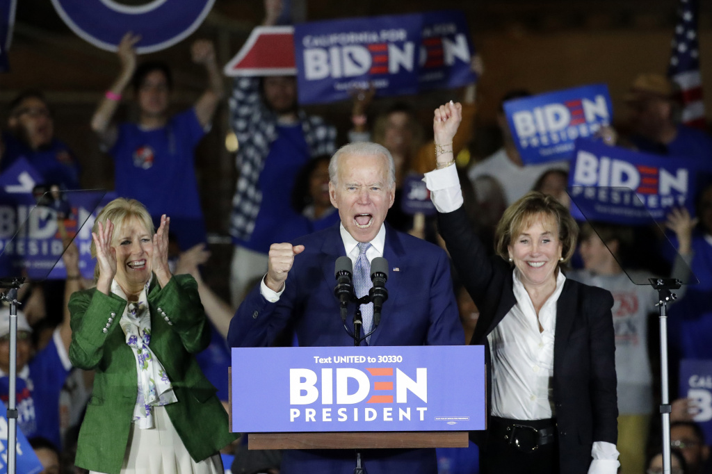 Joe Biden speaks at a campaign rally in Los Angeles with his wife Jill and his sister Valerie. The former vice president rode a wave of momentum that may have catapulted him back into front-runner status.