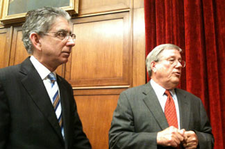 Phil Angelides and former California congressman Bill Thomas, a fellow Financial Crisis Inquiry Commission member