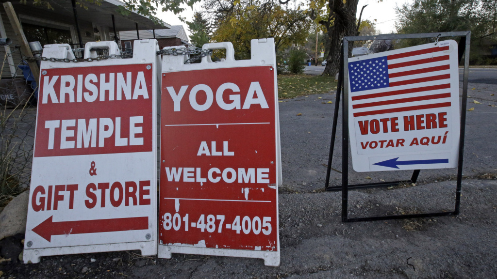 The U.S. Supreme Court hears arguments Monday in a case that looks at how municipal governments may regulate where and when signs are posted.