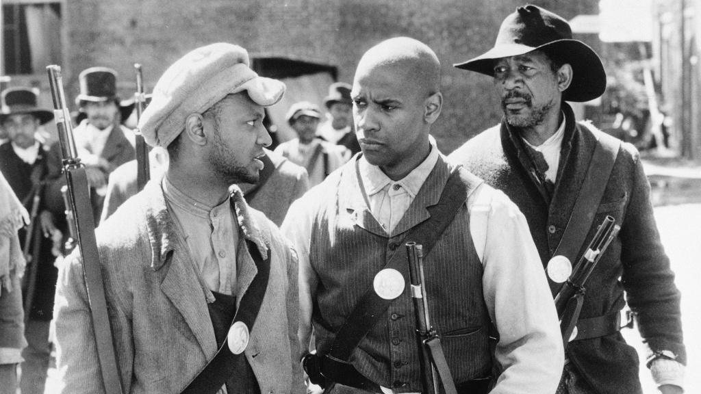 (L-R) Jihmi Kennedy, Denzel Washington and Morgan Freeman in the 1989 film