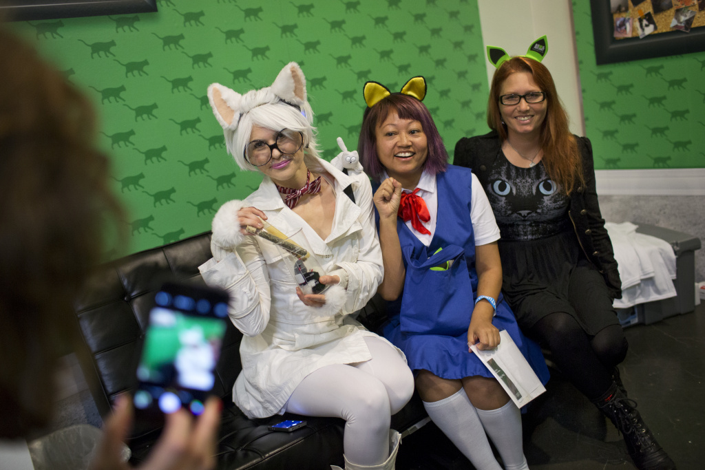File: Athena Stamos (left) dressed as Chemistry Cat, Linda Trujillo dressed as Haru Yoshioka from