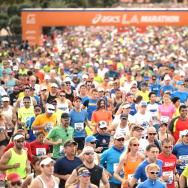 Start of the Los Angeles Marathon at Dodger Stadium on March 9, 2014 in Los Angeles, California.  (Photo by Harry How/Getty Images)