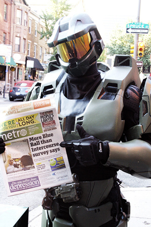 Eric Smith wears 40 pound Master Chief armor.
