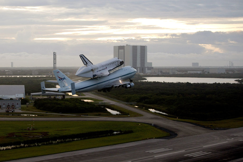 The Space Shuttle Endeavour will arrive in Los Angeles today.