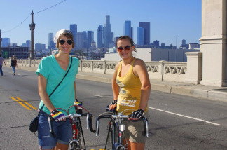 Ciclavia cyclists pose on the 4th Street Bridge.