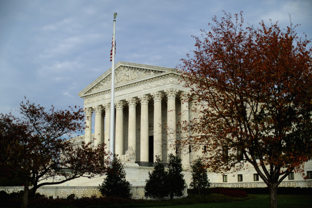 The Supreme Court agreed Tuesday to an election-year review of Obama's executive order to allow up to 5 million immigrants living in the U.S. illegally to work legally in the United States.
