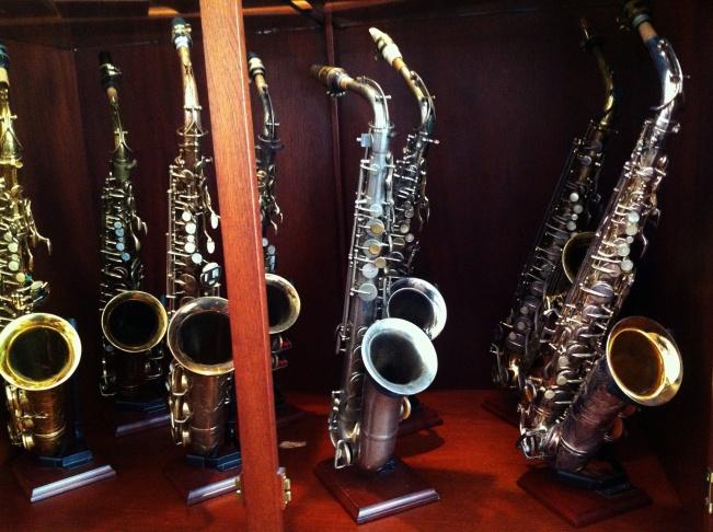Rob Verdi plays his sopranino saxophone. It's one of the smallest saxophones around.