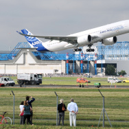 Airbus' A350-900 taking off from an airport in Toulouse, France, on its maiden flight. Japan Airlines reportedly has ordered 18 A350-900s and 13 A350-1000s.