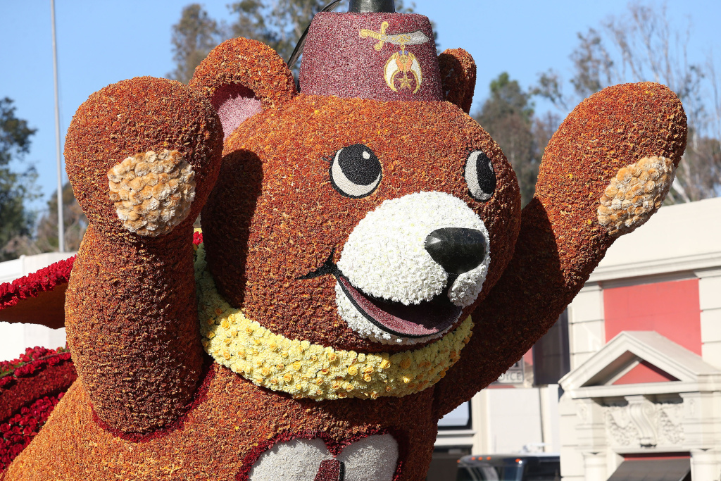 "File: The Volunteers Trophy float on the parade route during the 125th Rose Parade on January 1, 2014 in Pasadena, California. The 126th Rose Parade is themed ""Inspiring Stories,"" and the 5 1/2 mile route down Colorado Boulevard will begin 8 a.m. Thursday."