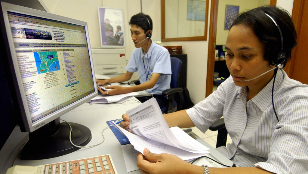 SOS emergency telephone operators receive phone calls in Kuta, Bali island, 05 October 2005.