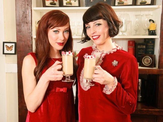 Alie & Georgia whip up a holiday cocktail.