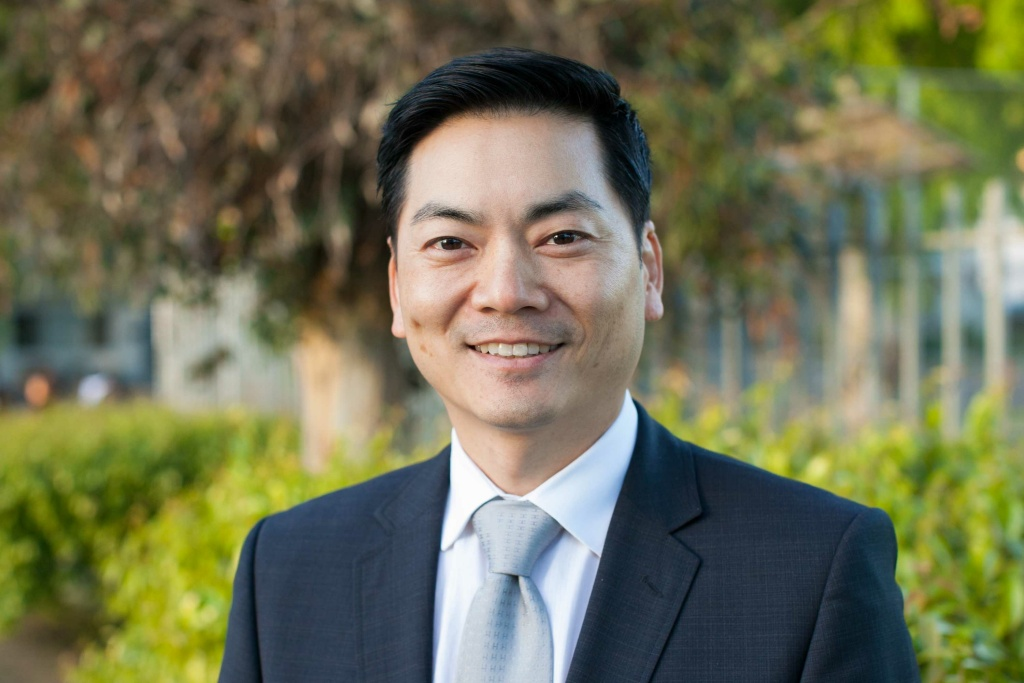 Robert Lee Ahn at the 34th Congressional District Candidate Forum at Eagle Rock High School on Wednesday, Mar. 23, 2017.