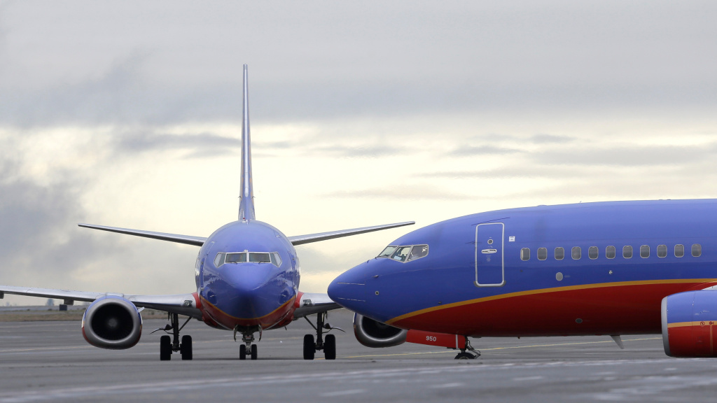 Southwest Airlines says that the crew of a Dallas-bound flight