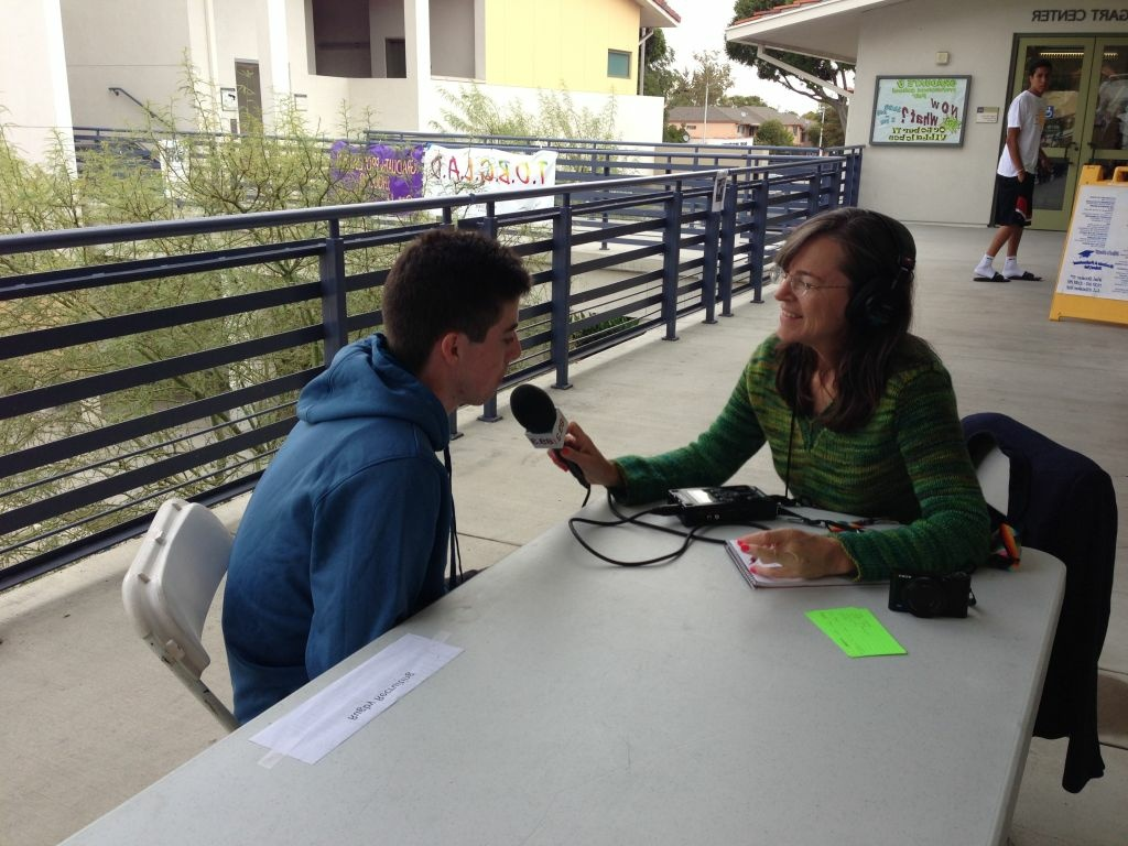 Sharon McNary interviews a young voter at Whittier College