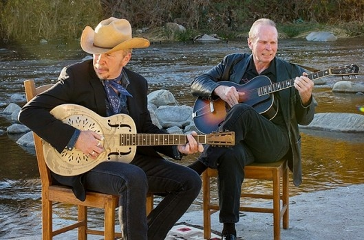 Musicians Dave and Phil Alvin.