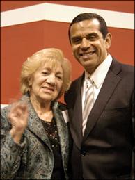 Miriam Bell with Antonio Villaraigosa