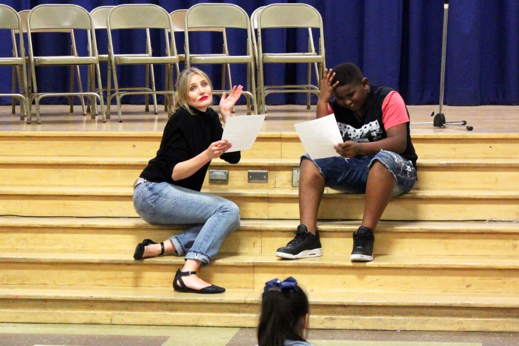 Actress Cameron Diaz, the school's celebrity mentor through Turnaround Arts: California, reads a scene from