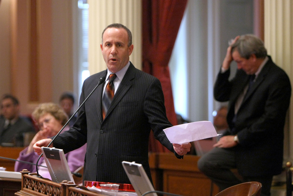 California Senate President pro Tem Darrell Steinberg speaks during a session of the California State Senate February 18, 2009 in Sacramento, California.