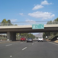Northbound California State Route 133 - Distances to Irvine Blvd, Route 241 Tolllway and Toll Plaza